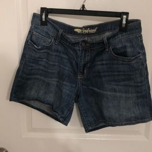 "Boyfriend 6"" denim shorts"
